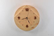 Square the circle:檜の掛け時計