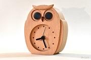 ブナで作ったふくろうの置き時計