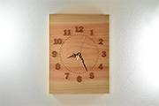 天然檜の大きな掛け時計